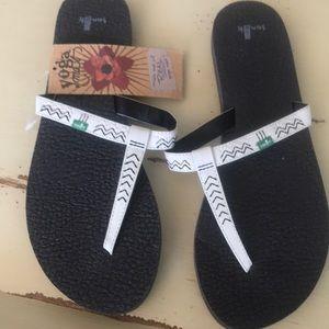 Samuel Women's size 10 flip flops